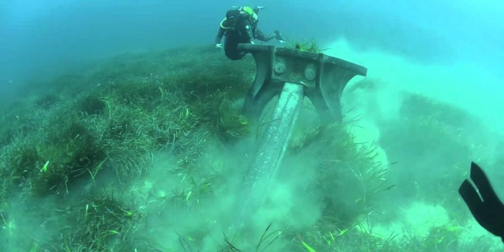 dragging anchor on seagrass